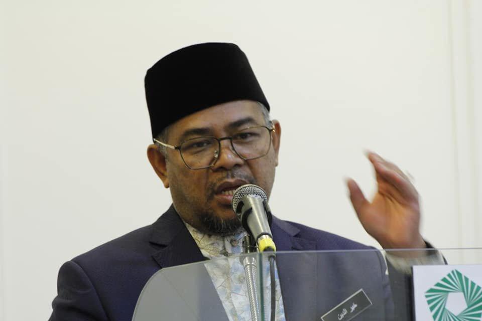 Menteri Perusahaan Perladangan dan Komoditi, Datuk Dr Mohd Khairuddin Aman Razali